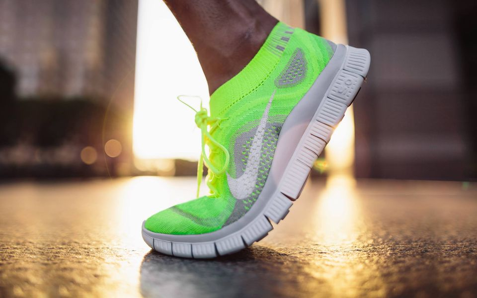 25 Best Running Shoes Collection For Men & Women